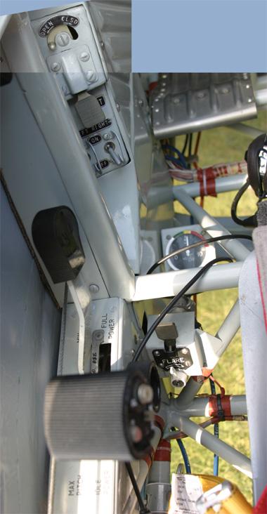 cockpit-side_left